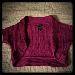 Pink knit crop shrug